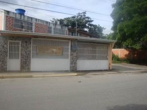 Casa En Ventaen Cagua, Prados De La Encrucijada, Venezuela, VE RAH: 17-12750