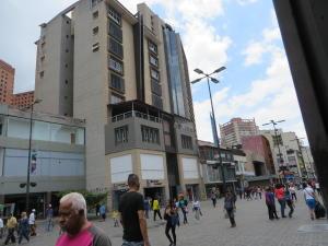 Local Comercial En Ventaen Caracas, Sabana Grande, Venezuela, VE RAH: 17-13230