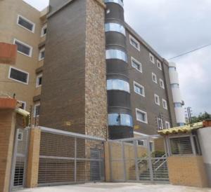 Apartamento En Ventaen Maracay, Las Delicias, Venezuela, VE RAH: 17-13122