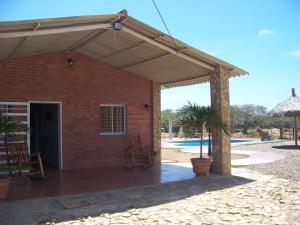 Casa En Ventaen Pueblo Nuevo, Pueblo Nuevo, Venezuela, VE RAH: 17-13344