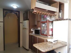 Apartamento En Ventaen Cabimas, Calle Chile, Venezuela, VE RAH: 17-13389