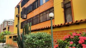 Apartamento En Ventaen Maracay, Guaicamacuto, Venezuela, VE RAH: 17-13462