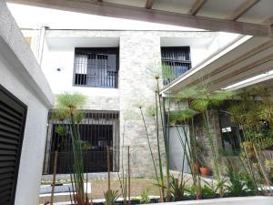 Casa En Ventaen Caracas, El Cafetal, Venezuela, VE RAH: 17-13678