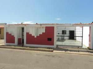 Casa En Ventaen Punto Fijo, Puerta Maraven, Venezuela, VE RAH: 17-13813