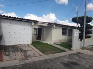 Casa En Ventaen Cabudare, Santa Cecilia, Venezuela, VE RAH: 17-13943