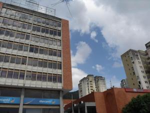 Local Comercial En Alquileren Valencia, Lomas Del Este, Venezuela, VE RAH: 17-14047