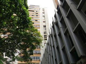 Oficina En Ventaen Caracas, Los Palos Grandes, Venezuela, VE RAH: 17-14625