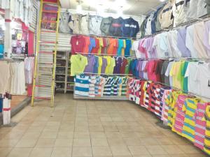 Local Comercial En Ventaen Caracas, Parroquia La Candelaria, Venezuela, VE RAH: 17-14216