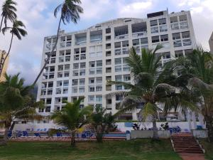 Apartamento En Ventaen Parroquia Caraballeda, Caribe, Venezuela, VE RAH: 17-14237