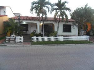 Casa En Ventaen Turmero, La Mantuana, Venezuela, VE RAH: 17-14393