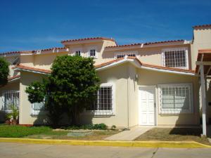 Townhouse En Alquileren Maracaibo, Zona Norte, Venezuela, VE RAH: 17-14423