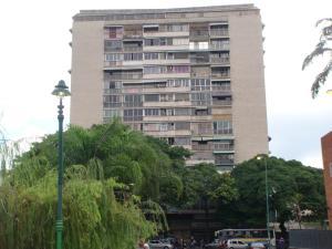 Apartamento En Ventaen Caracas, Los Chaguaramos, Venezuela, VE RAH: 17-14535