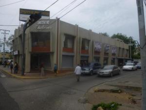 Local Comercial En Ventaen Ciudad Ojeda, Avenida Bolivar, Venezuela, VE RAH: 17-14719