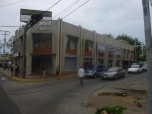 Local Comercial En Ventaen Ciudad Ojeda, Avenida Bolivar, Venezuela, VE RAH: 17-14798