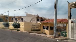 Townhouse En Ventaen Maracaibo, Lago Mar Beach, Venezuela, VE RAH: 17-14883