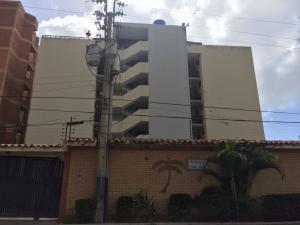Apartamento En Ventaen Tucacas, Tucacas, Venezuela, VE RAH: 17-15177