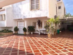 Casa En Alquileren Maracaibo, Monte Bello, Venezuela, VE RAH: 17-15233
