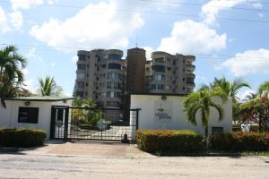 Apartamento En Ventaen Rio Chico, Los Canales De Rio Chico, Venezuela, VE RAH: 17-15264