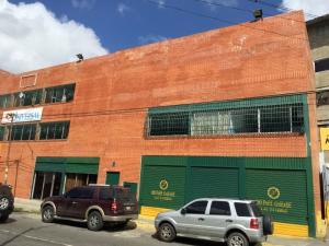 Local Comercial En Ventaen Caracas, Municipio Baruta, Venezuela, VE RAH: 17-15445