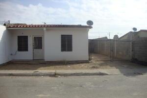 Casa En Ventaen Yaritagua, Municipio Peña, Venezuela, VE RAH: 17-15525