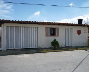 Casa En Ventaen Turmero, San Joaquin De Turmero, Venezuela, VE RAH: 17-15740