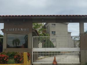 Apartamento En Ventaen Higuerote, Agua Sal, Venezuela, VE RAH: 17-15736
