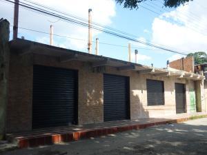 Local Comercial En Ventaen Maracay, Avenida Constitucion, Venezuela, VE RAH: 18-102