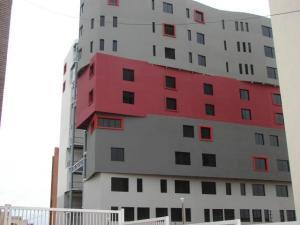 Apartamento En Ventaen Maracaibo, Avenida Bella Vista, Venezuela, VE RAH: 18-103