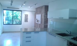 Apartamento En Alquileren Maracaibo, Avenida Milagro Norte, Venezuela, VE RAH: 18-134