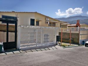 Casa En Ventaen El Consejo, Terrazas De La Hacienda, Venezuela, VE RAH: 18-234