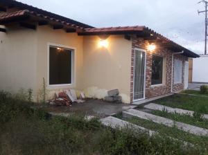 Townhouse En Ventaen Bocono, Via Bocono, Venezuela, VE RAH: 18-211