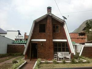 Townhouse En Ventaen La Puerta, Valle Verde, Venezuela, VE RAH: 18-2692
