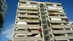 Apartamento En Ventaen Lecheria, Av Diego Bautista Urbaneja, Venezuela, VE RAH: 18-313