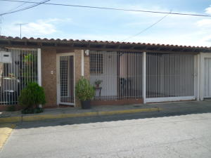 Casa En Ventaen Turmero, Villas Paraiso, Venezuela, VE RAH: 18-377