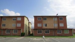 Apartamento En Ventaen Guatire, Alto Grande, Venezuela, VE RAH: 18-516