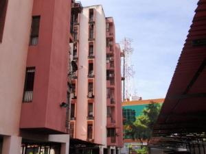 Apartamento En Ventaen Maracay, Base Aragua, Venezuela, VE RAH: 18-725