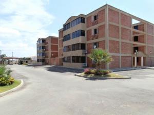 Apartamento En Ventaen Coro, Plaza Suiza, Venezuela, VE RAH: 18-721