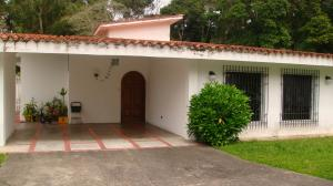 Casa En Ventaen Caracas, Los Guayabitos, Venezuela, VE RAH: 18-778