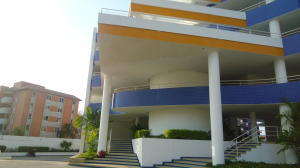 Apartamento En Alquileren Lecheria, Complejo Turistico El Morro, Venezuela, VE RAH: 18-817