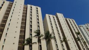 Apartamento En Ventaen Catia La Mar, Playa Grande, Venezuela, VE RAH: 18-1268