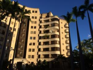 Apartamento En Ventaen Caracas, Santa Eduvigis, Venezuela, VE RAH: 18-908