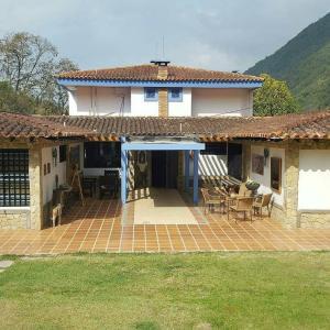 Casa En Ventaen La Puerta, El Molino, Venezuela, VE RAH: 18-942