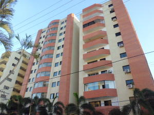 Apartamento En Ventaen Valencia, Parroquia San Jose, Venezuela, VE RAH: 18-961