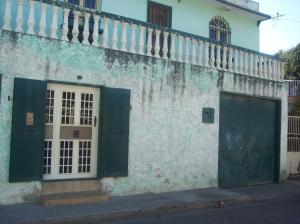 Local Comercial En Ventaen Maracay, Barrio San Rafael, Venezuela, VE RAH: 18-1042