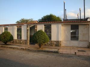 Casa En Ventaen Turmero, Los Overos, Venezuela, VE RAH: 18-1023