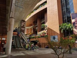Local Comercial En Ventaen Caracas, La Castellana, Venezuela, VE RAH: 18-1094