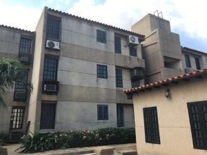 Apartamento En Ventaen Maracaibo, Cumbres De Maracaibo, Venezuela, VE RAH: 18-1186