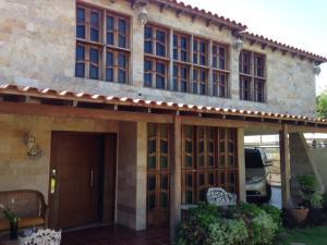Casa En Ventaen Maracaibo, Lago Mar Beach, Venezuela, VE RAH: 18-1285