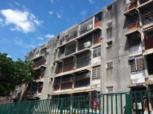 Apartamento En Ventaen Maracay, Parque Aragua, Venezuela, VE RAH: 18-1343