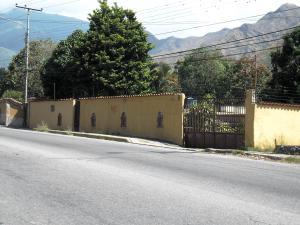 Terreno En Ventaen Maracay, El Castaño, Venezuela, VE RAH: 18-1423